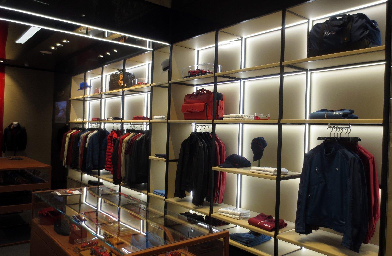 Ferrari Store - Ispira.Blog 7ada4d037