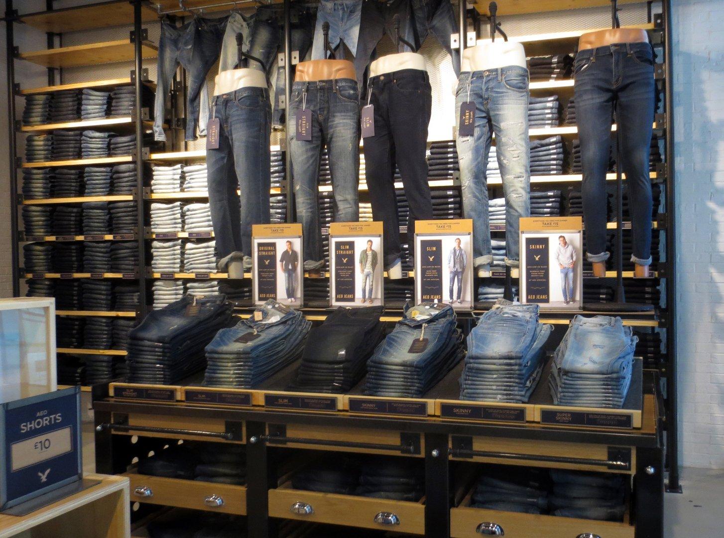 Lee Shoe Repair Shop