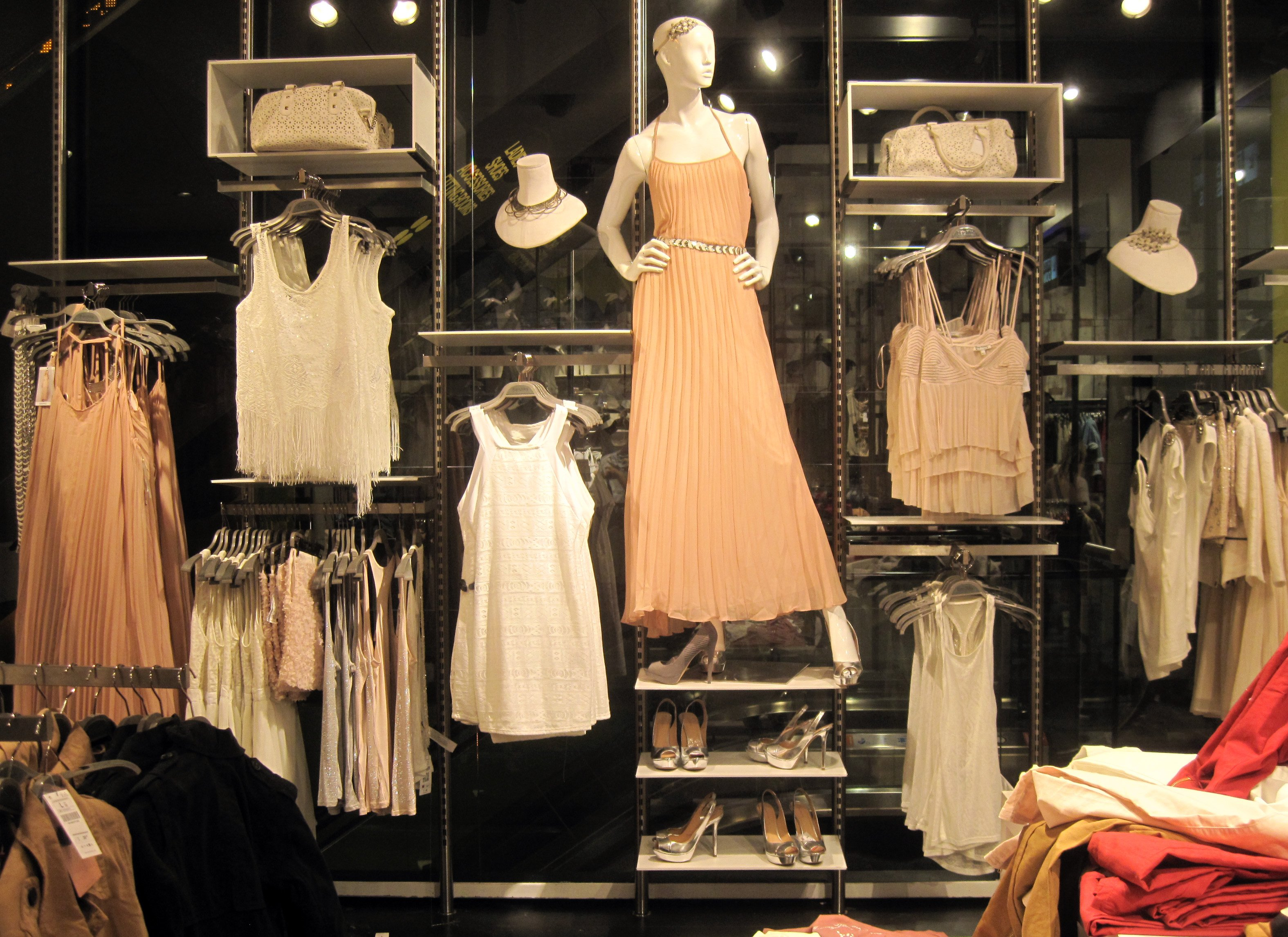 Galleries ispira blog for Boutique wall displays
