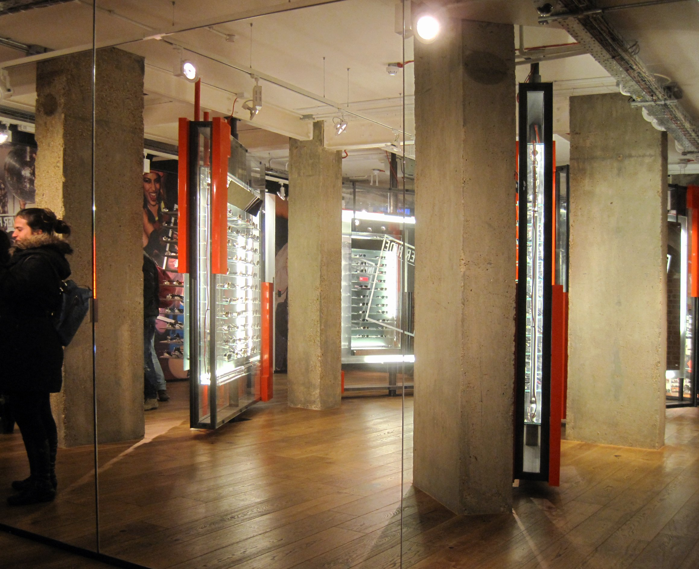 35b6749fc2f Ray Ban Outlet Store Locations « Heritage Malta